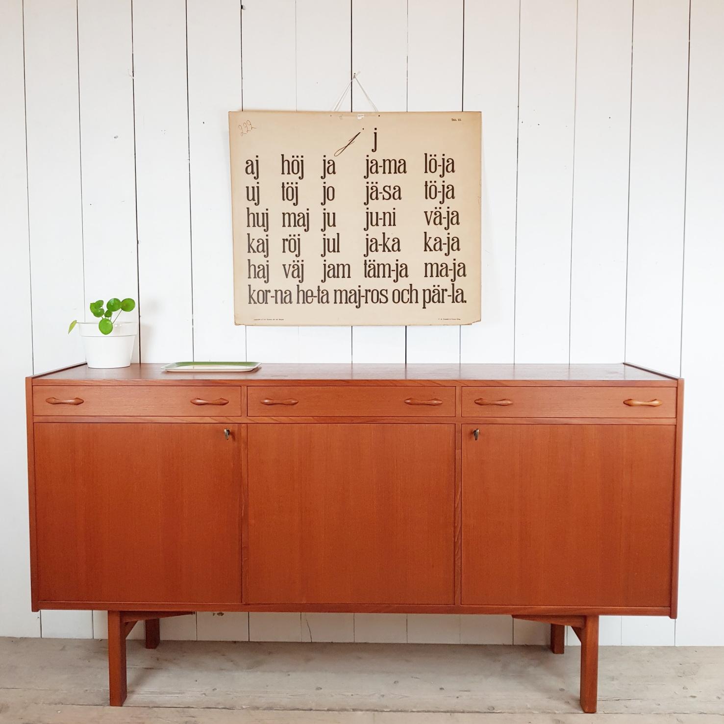 Zweeds vintage dressoir pip en linus webshop zweedse for Vintage meubels